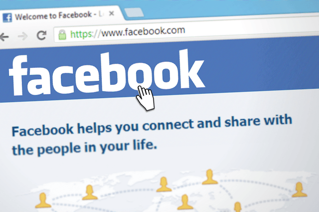 Attract people to your blog with Facebook